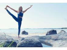 SOC x Josefines yoga. Blått och naturnära. Foto Stadium