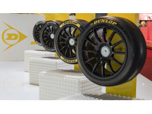 Fyra BTCC racingdäck