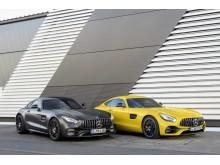 Nya Mercedes-AMG GT C och Mercedes-AMG GT S. Båda med den nya, elaka grillen.