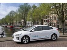 100 Hyundai IONIQ bildar utsläppsfri bilpool i Amsterdam.