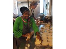 Köksförberedelser inför Folkfest