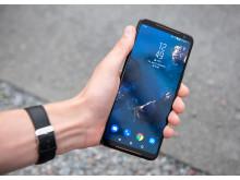 ROG_Phone_II_Hand_Front