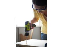 Ryobi bore-/skruemaskine RCD12011L - miljøbillede