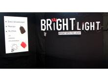 Bright light monter
