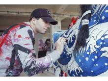 Shai Dahan och en av hans konsthästar