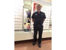 John Godoy, initiativtagare till Optiker utan gränser vid butiksöppningen på Nova Lund.