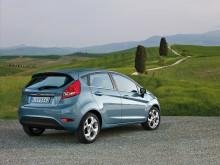 Nya Ford Fiesta utsedd till årets bil 2009 av Auto Express