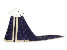 Drottning Kristinas purpurfärgade kröningsmantel, beställd i Paris till kröningen 1650