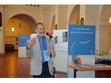 Prof. Dr. Werner Schneider, der Leiter der Leipziger Notenspur-Initiative, bei der Eröffnung der Ausstellung
