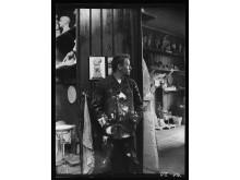 Gustav Vigeland in the old studio in Hammersborg, 1903 / Gustav Vigeland i sitt gamle studio på Hammersborg, 1903.