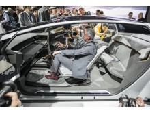 Audi på Volkswagen Group Preview Night – IAA i Frankfurt – Rupert Stadler, CEO i AUDI AG, i konceptbilen Audi AICON