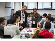 Sesión de trabajo Incubation Challenge con voluntarios de Visa Europe
