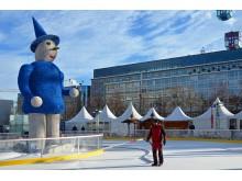 """Die Eisbahn vom """"Leipziger Eistraum"""" wird Schicht für Schicht aufgetragen bis sie 10 cm dick ist - Foto: Isabell Gradinger"""