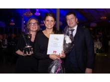 Årets småföretagare gick till Kiosken Pizza & Vin. På bild Greta Wimander, Lisa Hellmér och Sebastian Sandsten.