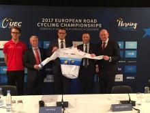 Junior-verdensmester Jakob Egholm og Formand for Danmarks Cykle Union byder EM i landevejscykling velkommen til Danmark 2017