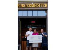 """Burger-Wettessen für Bärenherz: """"Burgermeister"""" spendet Startgebühren dem Kinderhospiz"""