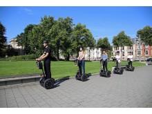 Der wendige Segway ermöglicht das Entdecken der vielen Grünflächen in Leipzig, z.B. die Fritz-von-Harck-Anlage am Bundesverwaltungsgericht