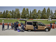 Fordin Tourneo Connect tositoimissa