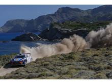Hyundai Motorsport tar tredjeplatsen i Rally Italia Sardegna.