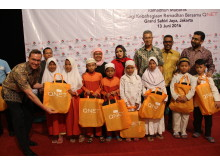 QNET Indonesia - A treat to 200 children.JPG