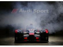 Audi Sport Finale 2015 - Audi R18 2016 front smoke
