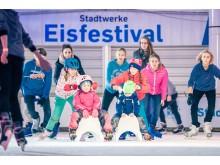 Stadtwerke_Eisfestival_Eislaufen_Hafenkante