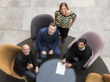 Matts Nyman och Eva Nyh Hederberg på BizMaker välkomnar Riccardo Penzo och Tajinder Singh till inkubatorn.