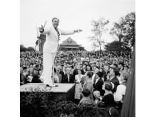 Sven Lilja i publikhavet vid allsången på Skansen 1938.