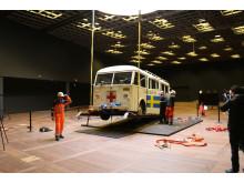 Den hvide bus lander i Egmonthallen