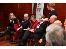 Världscancerdagen 2011: Panelsamtal om cancervården