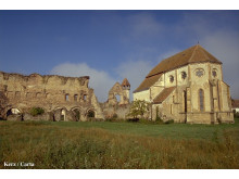 Befäst kyrka i byn Kerz