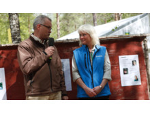 Vinnare av Guldyxan 2015 - Camilla Logarn, skogsägare från Värends Nöbbele i Småland, som fick ta emot Guldyxan på SkogsElmia 2015.