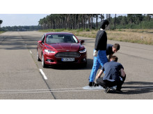 Ford Mondeon jalankulkijoita suojaava Pedestrian Detection