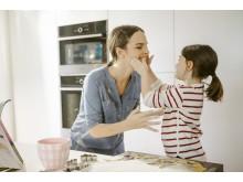 gorenje_life_simplified_motherdaughter_baking