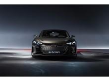 Audi e-tron GT concept (kinetic dust)