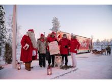 Coca-Cola Joulurekka pysähtyi ensimmäisen kerran ikinä napapiirillä