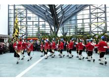 Die Schäffler tanzen auch wieder in der Stadtsparkasse München.