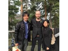 """Akari och Shotari från Dewazakura Brewery tillsammans med Dan """"Japan"""" Jay-Olsson, sakesommelier och Head of operations på TAK"""