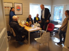 Kaffe- og fruktpause i Rudshøgda Kanvas-naturbarnehage