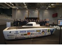 JU Solar Team tillsammans med den färdiga bilen