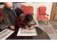 Besökare på visning i Tyresö slott