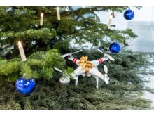 Drohne unter dem Weihnachtsbaum (2)