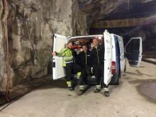 150402 Långå Kraftverk reparbetare inspekterar betong och stål