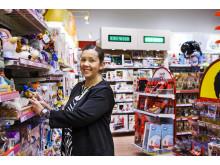 Alexandra Svärd, butikschef på BR-Leksaker i Alingsås