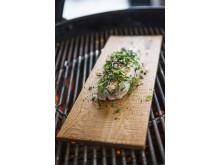 Kylling med friske urter og agurksalat