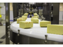 A hygienically designed conveyor for food production and packaging - the WLX and WLXH platforms from FlexLink.