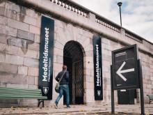 Medeltidsmuseets entré på Strömparterren, under Norrbro.