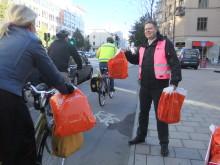 Per Ankersjö tackar Stockholms cyklister