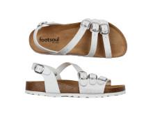 Vit silverskimrande sandal
