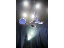 Cirkus Cirkör - Knitting Peace - Ilona Jäntti